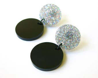 Blanck and multicolor glitter earrings