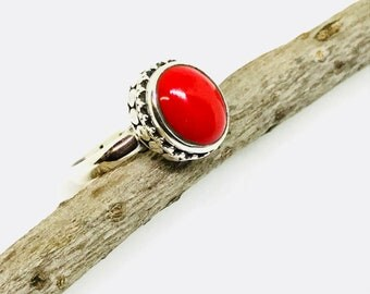 Red agate ring set in sterling silver 92.5. Size -8. Stone-