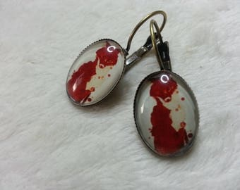 The Red Wolf oval earrings