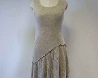 The hot price. Asymmetrical taupe knitted dress, M size. Made of pure linen.