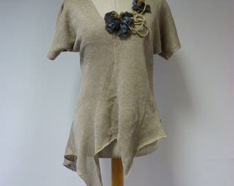 The hot price, taupe linen blouse with wool decoration, M size. Only one sample.