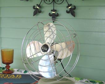 Early 1960s Retro Oscillating Table Fan Avocado Green
