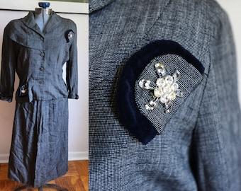 Size 6 - Beautiful Vintage Grey Suit
