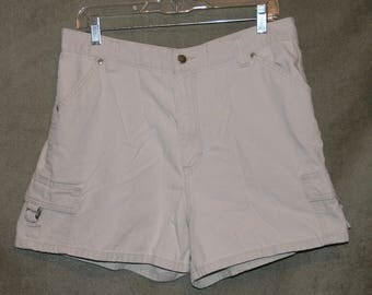 Lee Riveted, Cargo Shorts, Vintage Shorts, High Waist, Mom Jeans, Size 14 M, 34in Waist, Jean Shorts, Zipper Fly, Designer Shorts