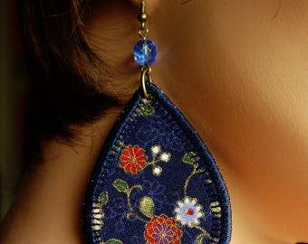 Earrings with blue Japanese fabric