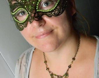 Green Vining Mask