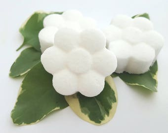 Peppermint Daisy Shaped Bath Fizzies - Bath Bombs - Choose Your Scent - Choose you quantity -  Bath and Body - flower