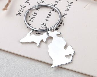 I heart Michigan keychain - Michigan keyring - Map Jewelry - State Charm - Map keychain