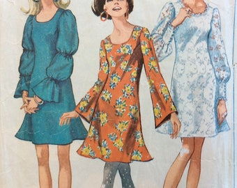 Simplicity 7983 misses dress w/sleeve interest size 10 bust 32 1/2 vintage 1960's sewing pattern