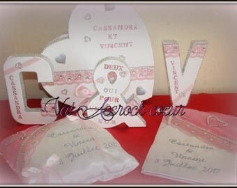 Urn, guestbook letter Monogram and lace pillow