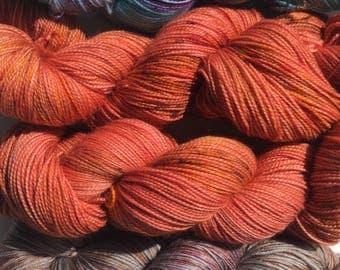 UK Hand dyed speckled yarn superwash merino nylon 4ply fingering sock yarn 'Crunch'