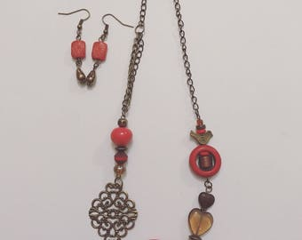 Set necklace and earrings.