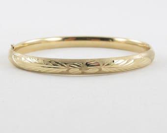 """14K Yellow Gold Bangle Bracelet 7 """" 7.2 grams - Floral Diamond Cut Bangle Bracelet"""