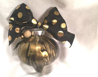 Black & Gold  Hand Painted  Swirl Paint Onion Christmas Ornament Glitter Leaf Berries Robbon