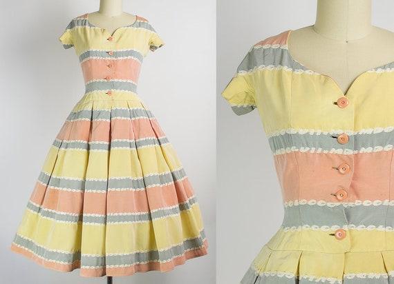 1950s Striped Dress   XS (34B/24W)