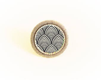 Silver cabochon Adjustable ring black and white Japanese wave/fan