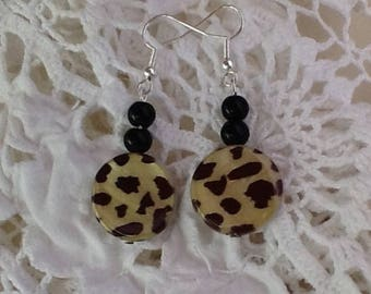 Tiger Shell earrings, mother of pearl, tiger skin pattern, black shiny beads, round discs