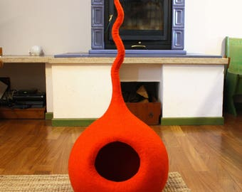 """Cat Cave """"Drop M Orange"""" Medium Size, Cat Bed, Cat House, Pet Furniture. Hand-Felted, 100% Wool - MADE IN ITALY"""