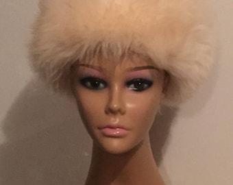 Vintage Hat - Women's Fur Hat Fluffy Beige