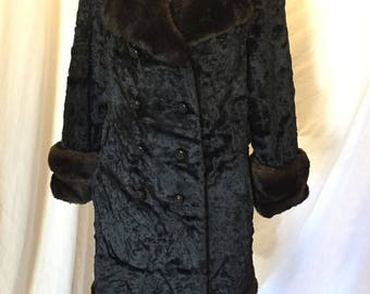 Vintage 60s 70s Aristocrat Brynwood Crushed Velvet Jacket Coat with Brown Faux Fur Trim ILGWU Union Tag