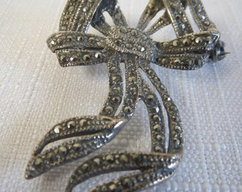 Estate Vintage Sparkling Marcasite Sterling Silver Bow Brooch Pin