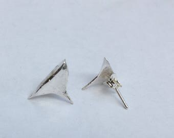 Rose thorn earrings/rose thorn studs/silver rose thorn/silver thorn earrings/silver thorn/ solid silver thorn earrings/silver thorn studs