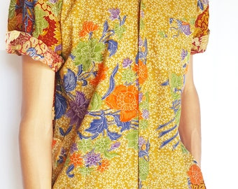 Vintage 1990s Floral Printed Short Sleeve Button-Up / Size (L/XL)
