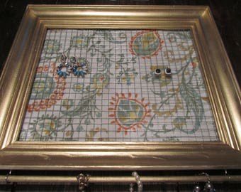Vintage Picture Frame Jewelry Holder, Earring Holder, wall mounted Active