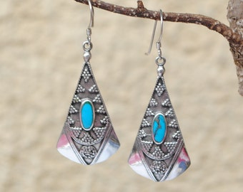 Native american turquoise earrings, boho earrings, ethnic earrings, vintage earrings, silver dange earrings, vintage turquoise dangle