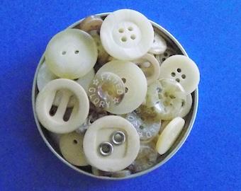 Bulk Buttons, Cream Buttons, 100 Mixed Off White Buttons, Craft Buttons, Sewing Buttons, Scrapbooking, Natural Bulk Button Embellishments