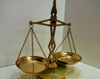 Brass Balance Scales, Brass Scales on Round Marble Base with Brass 3 Feet, Brass Marble Base Scales, Brass Construction, Decorative Scale