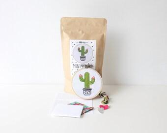 "Cactus Mini Cross Stitch Kit 3.5"" / 9 CM Hoop Cactus Crafts Embroidery Kit Cactus Colourful Stitch Kit Succulent Decor Cool Stocking Stuffer"