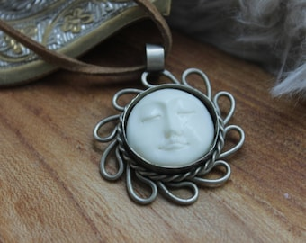 Man in the Moon, Sun and moon necklace