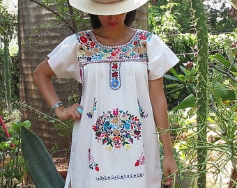 Oaxacan Embroidered Tunic Dress / Mexican Embroidered Dress / Ethnic Tunic Dress