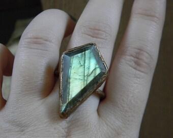Adyton // Labradorite Ring - 9 1/4