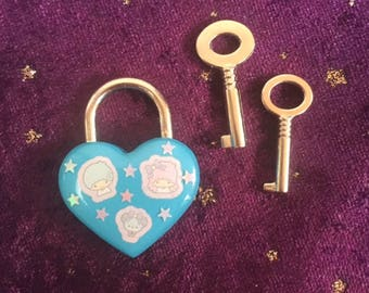 Kawaii Twins Heart Padlock and Keys