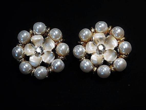 Mid Century / Clip On Earrings / Rhinestone Earrings