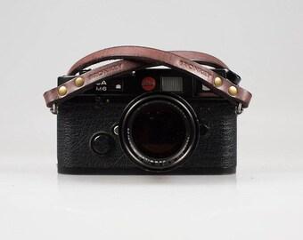 Bronkey - Berlin #1 - Brown color - Leather Camera Strap for mirrorless, Nikon, Leica, Fuji X serie, 35mm, Olympus, DSLR, vintage & more.