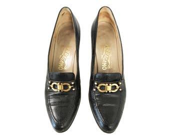 SALVATORE FERRAGAMO Vintage 1980s Gold Logo Buckle Brown Lizard Skin Heels Shoes SZ 7.5