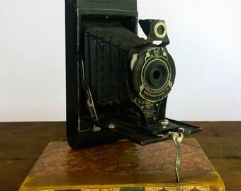 Vintage 1920s Eastman Kodak 2A Folding Cartridge Hawkeye Model B Camera