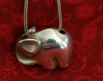 CP104 Vintage Sterling Silver Necklace with Sterling Silver Elephant Pendant