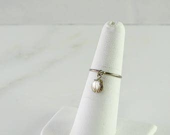 Hanging Scallop Very Petite Ring Size 6.75