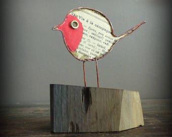 Robin in copper wire, paper and Driftwood