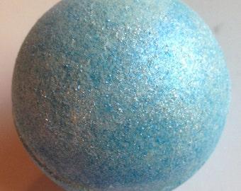 Moonstone Blue Bath Bomb/Musk/Blue Shimmer/Blue Water Bath