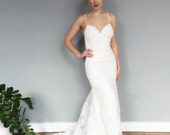 Spaghetti Strap Backless Lace Mermaid Wedding Dress