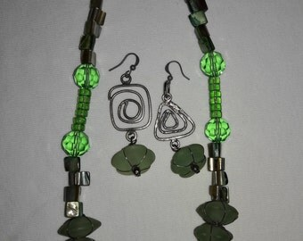 Green and Iridescent Glass Silver Plated Vintage Necklace and Pierced Earrings