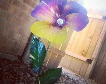 Metal Pansy Flower Garden Stake,  Pansy Flower Garden Art,  Metal Garden Decor,  Yard Decoration