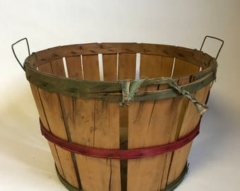 Vintage Wooden Apple Picking Basket, Bushel Basket, Split Wood, Farmhouse Style, Rustic Home Decor, Primitive Bin, Orchard Basket