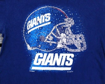 Vintage 90's New York Football Giants t-shirt by Nutmeg Mills Inc. Lee Sport XL
