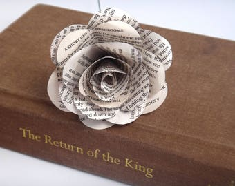 Lord of the Rings Book Page Flowers, Individual White Book Page Roses, Literary Flowers, Lord of the Rings Gifts, Lord of the Rings Wedding